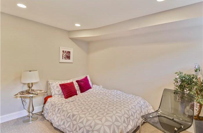 1006-Fairmont_Lower-Level-Bedroom-700x460
