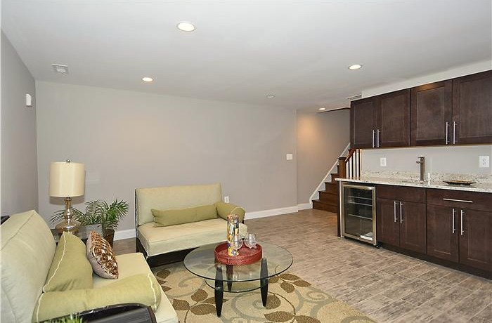 1556 3rd_Web_Lower-Level-Family-Room_3-700x460