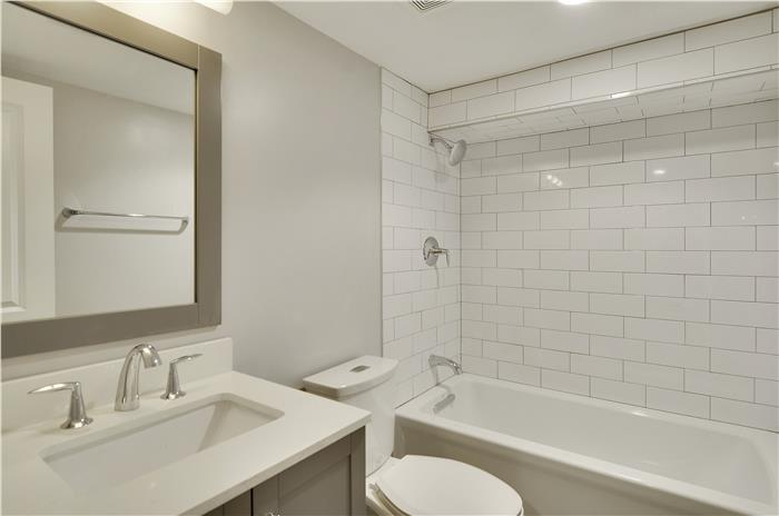 750 Harvard_Lower Level-Bath-_DSC3373