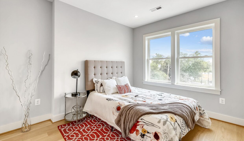 Upper Level-Bedroom-RE3418